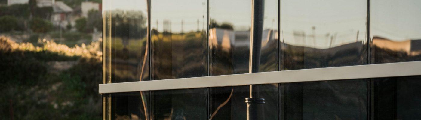 aspe, tanatorio, reforma, arquitectura, arze, alicante, muro cortina