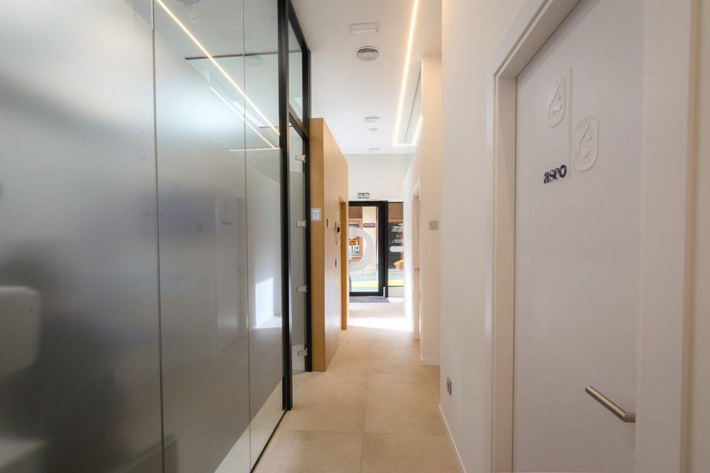 Clinica dental Bona Arze interiorismo Alicante proyecto distribuidor arquitectura